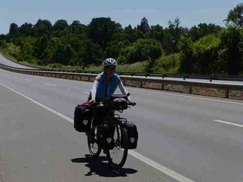 Riding in the route 5/ Circulando en la ruta 5